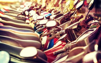 Assurance cyclo : les différences entre un cyclomoteur ou scooter et une moto