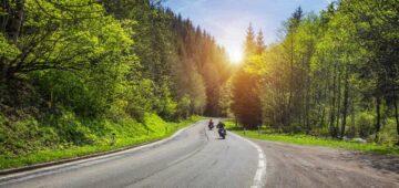 Conseils assurance moto : rouler en groupe à moto