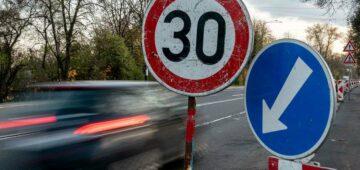 Conseils assurance auto : les différents types de panneaux de signalisation